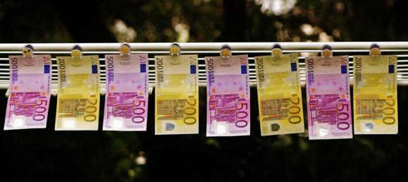 Nouvelles baisses d'impôt pour les classes moyennes et les entreprises