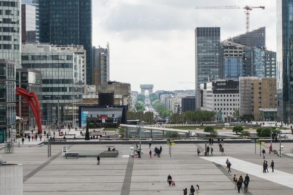 Brexit : Paris sort le grand jeu pour attirer les entreprises