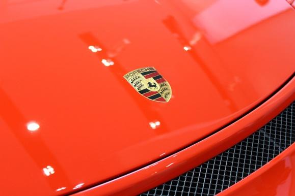 Porsche se lance à l'assaut de Tesla avec la Mission E