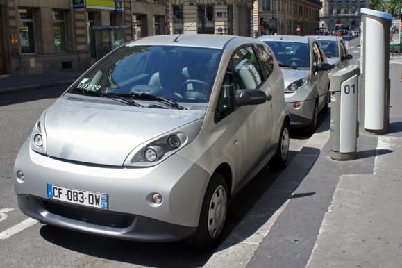Lourdes pertes financières pour Autolib'