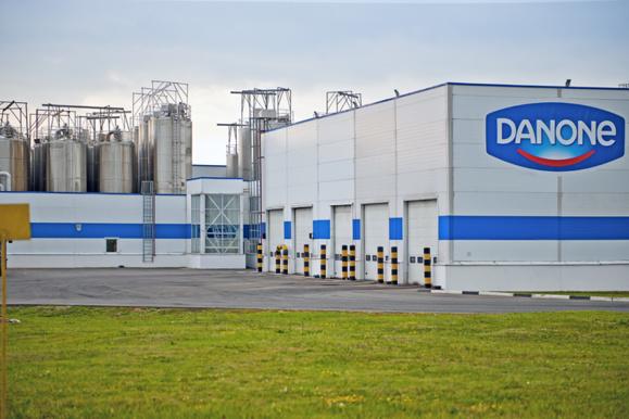 Danone lance un programme d'économies après des résultats décevants