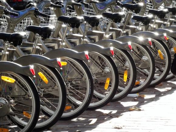 Paris : le marché du Vélib' échappe à JC Decaux