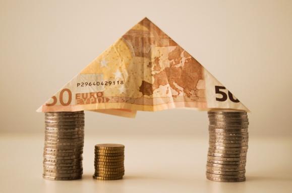Prêts immobiliers : la domiciliation des revenus est désormais encadrée