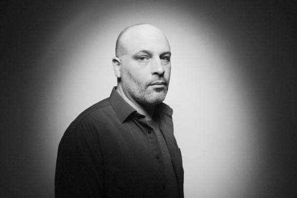 """David Hury est journaliste, photographe et auteur. Il vient de publier """"Pentes Douces"""", aux éditions Riveneuve."""