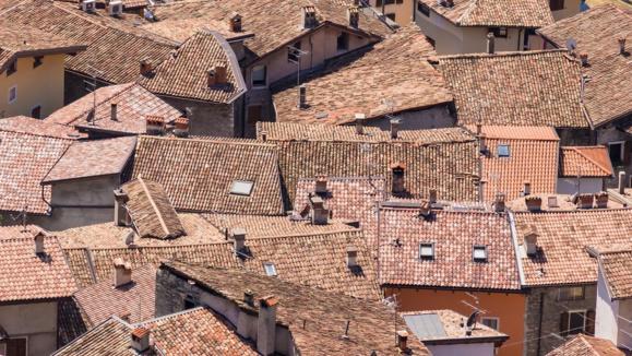La taxe d'habitation doit disparaitre, selon Bruno Le Maire