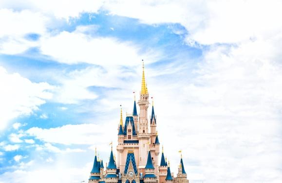 En achetant la Fox, Disney muscle son concurrent à Netflix