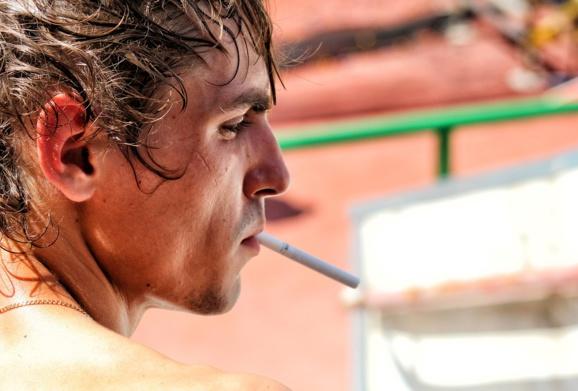Une plainte en France contre les industriels du tabac