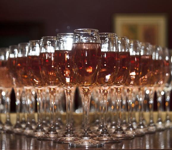 Le rosé espagnol « francisé » a coulé à flot en France
