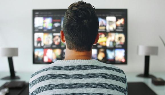 Netflix teste un abonnement moins cher