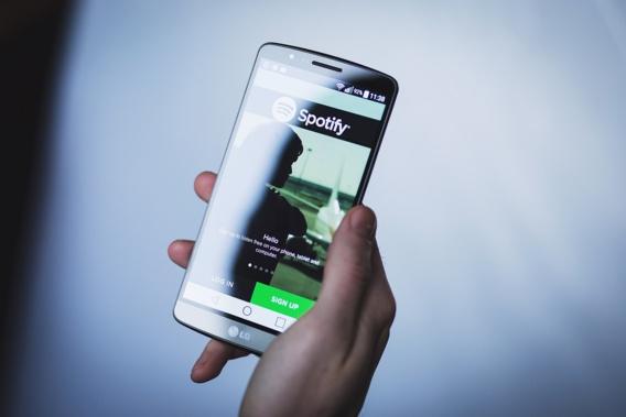 Union européenne : Spotify porte plainte contre Apple