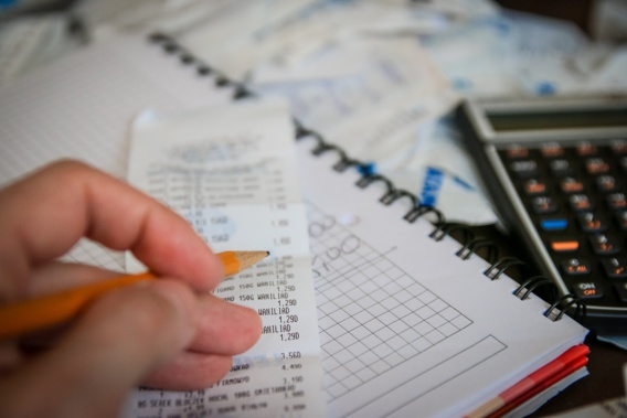 Gérald Darmanin : comment financer les baisses d'impôts ?