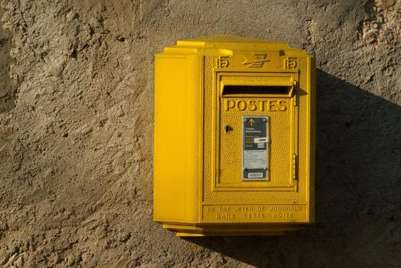 La Poste augmente ses effectifs pour la distribution du courrier et de la presse