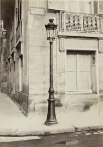 Charles Marville Lampadaire devant l'hôtel Rothschild à l'angle de la rue de Rivoli et de la rue Saint Florentin