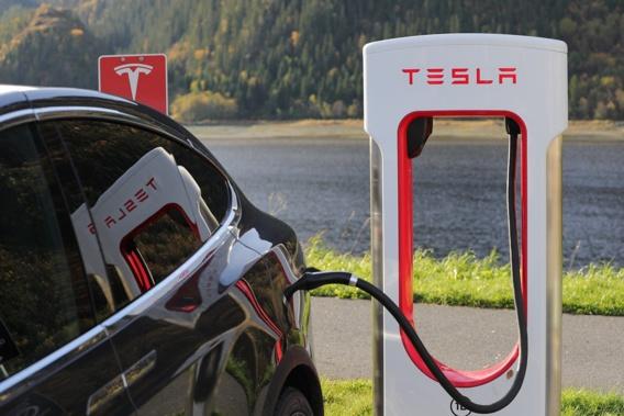 Le patron de Tesla, Elon Musk, désormais quatrième fortune mondiale