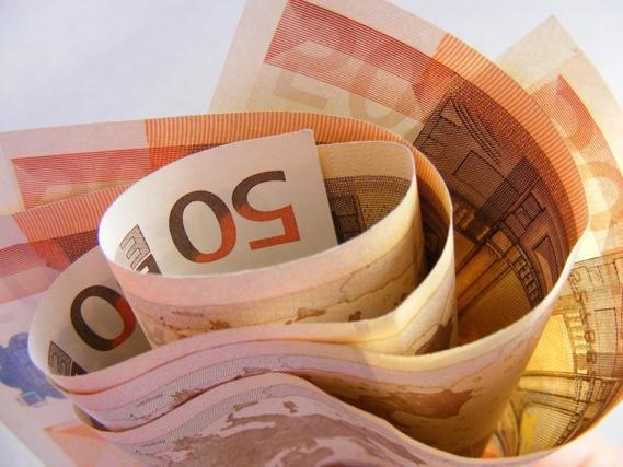 Les banques durcissent les conditions de crédit aux entreprises et aux ménages