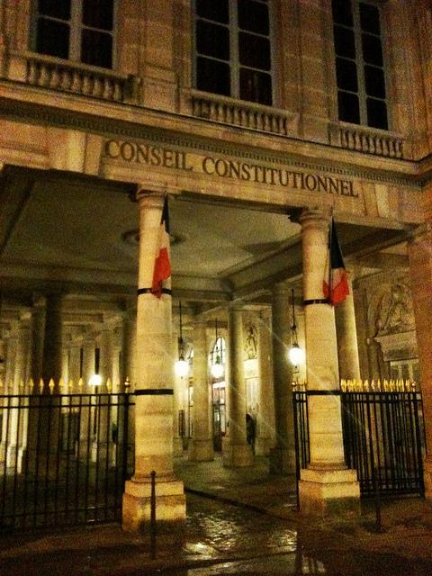 Le Conseil constitutionnel a censuré le budget 2014, ce qui pourrait créer un manque à gagner estimé par Gilles Carrez entre 500 millions et un milliard d'euros.