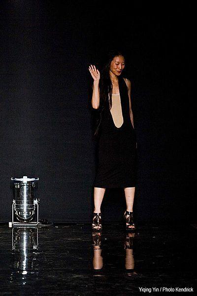 La maison Léonard nomme Yiqing Yin à la tête de la création artistique