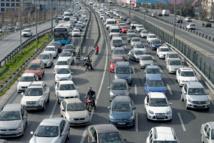 Autoroutes : une voie réservée à certains véhicules ?