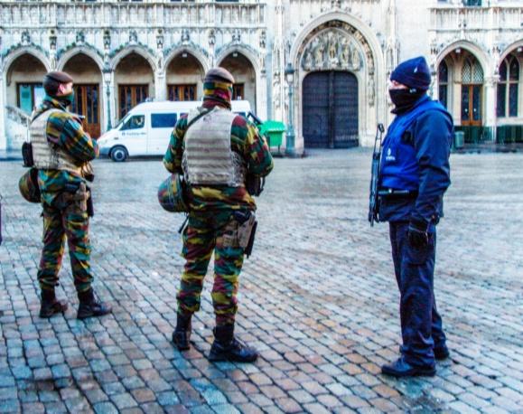 """Ancien des services de renseignement belges, Bernard Snoeck dénonce """"l'amateurisme"""" de son pays en matière de contre-terrorisme"""
