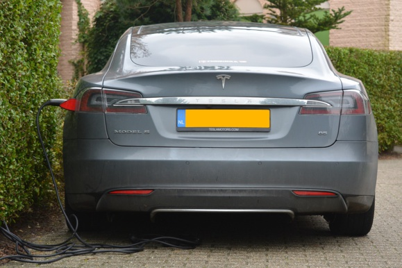 Des voitures électriques pour PSA à partir de 2019