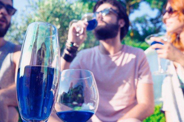 Gik, le «vin bleu », retiré des rayons d'Auchan