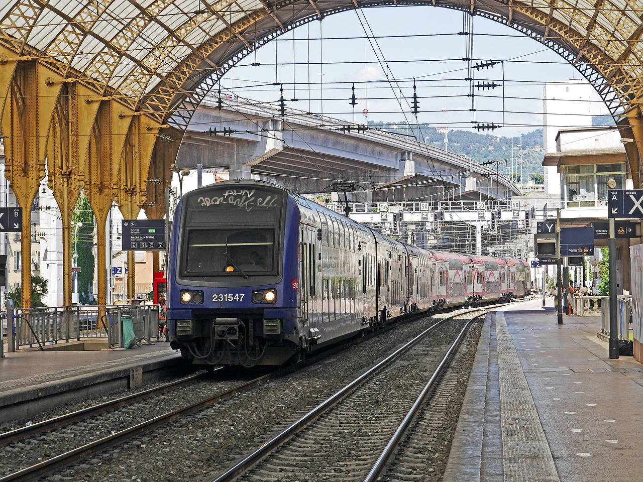 Le train est cher en France, l'autocar beaucoup moins