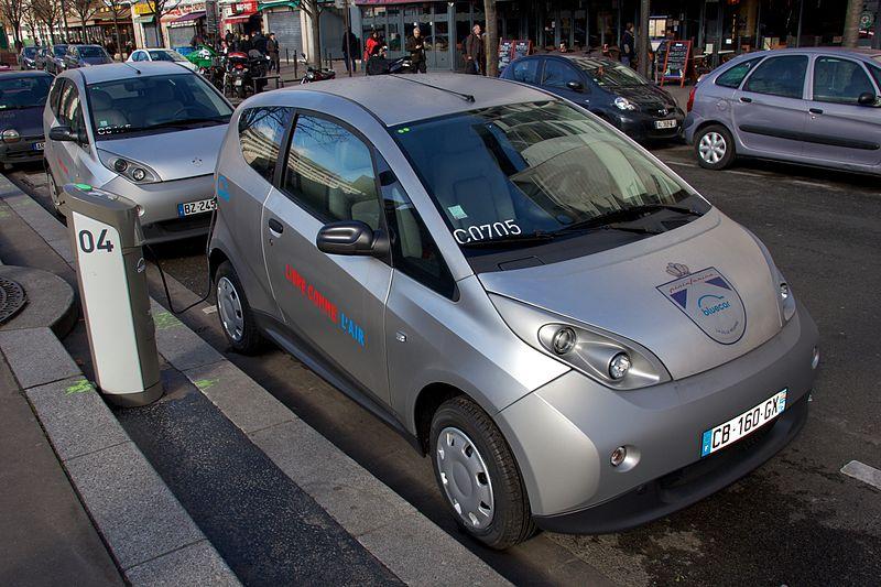 Les voitures électriques du groupe Bolloré sur les routes de Los Angeles