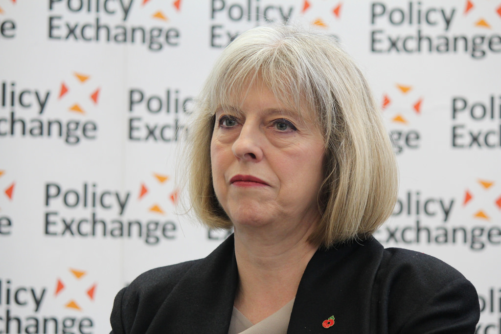Theresa May agite la menace d'une guerre commerciale