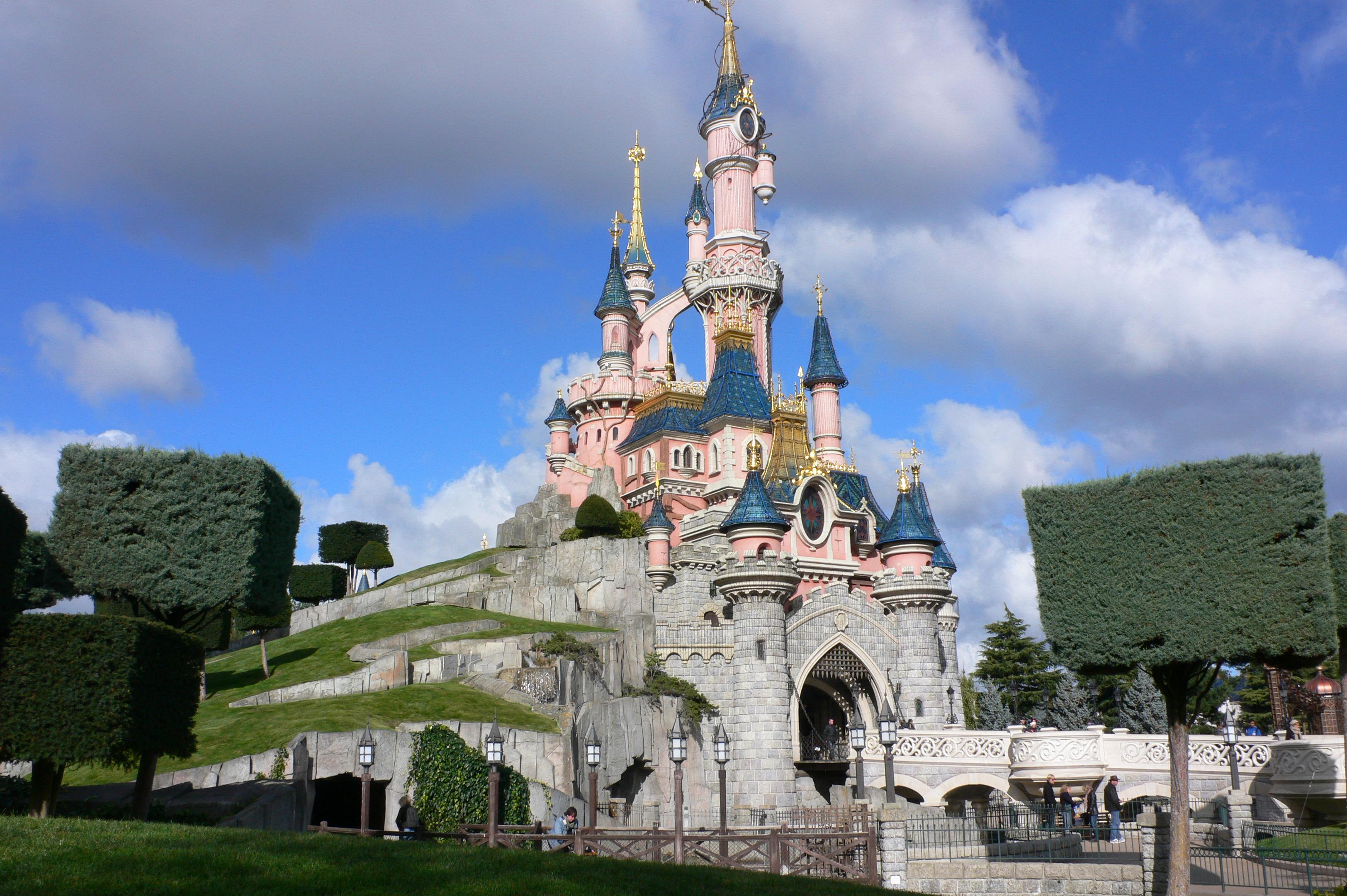 La Walt Disney Company achète Euro Disney