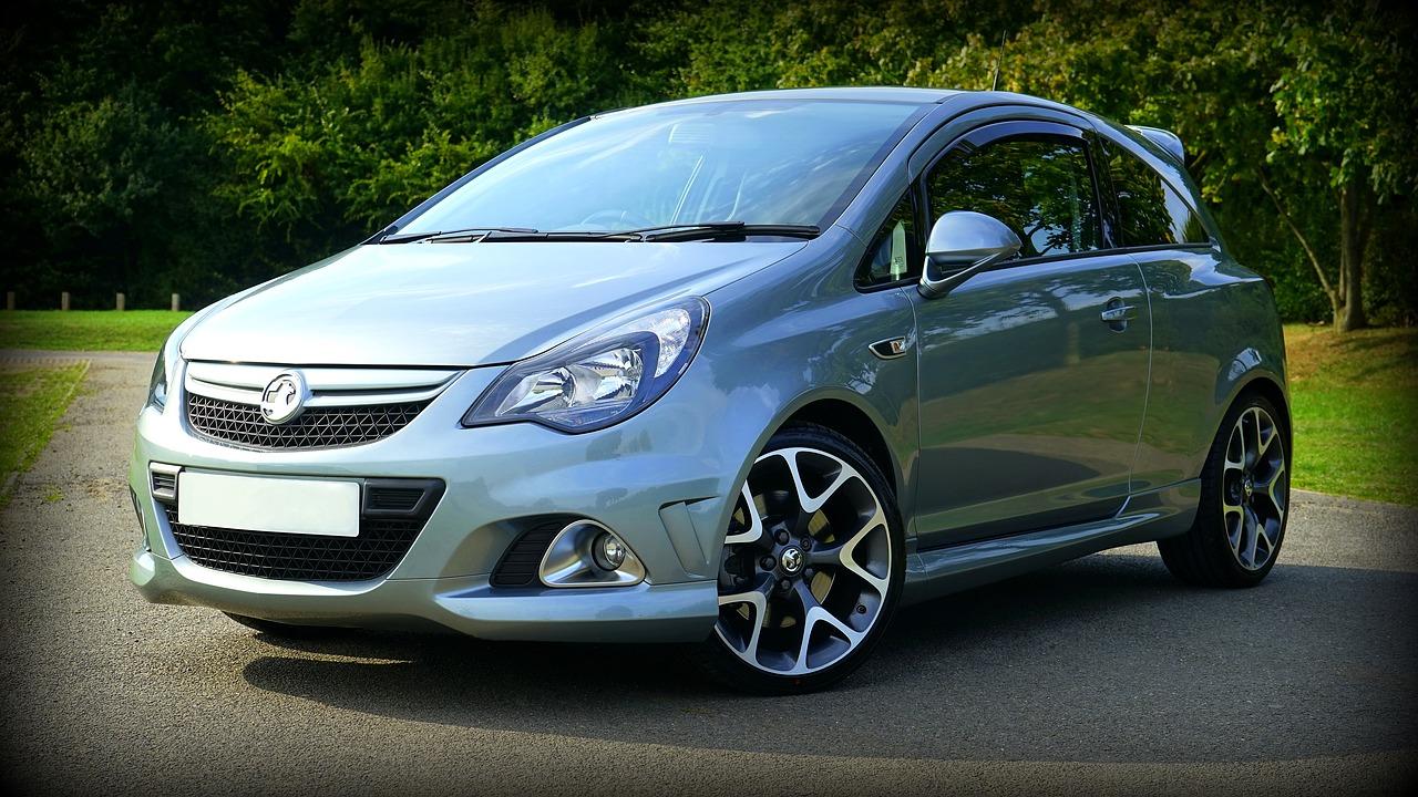 Le groupe PSA négocie l'acquisition d'Opel et de Vauxhall