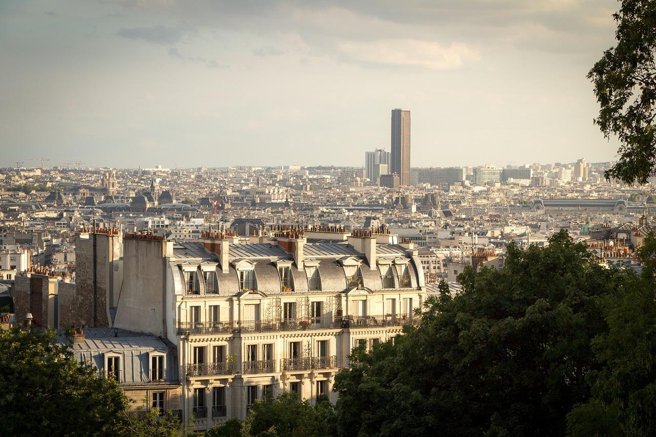 Saut à la relocation : hausse des loyers modérée à Paris