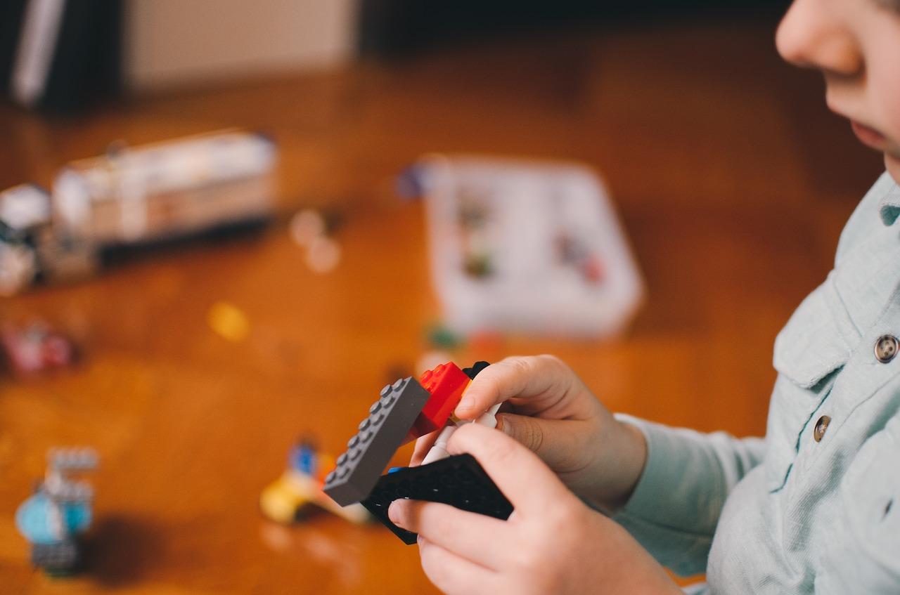 Pour rebondir, Lego supprime 1400 emplois