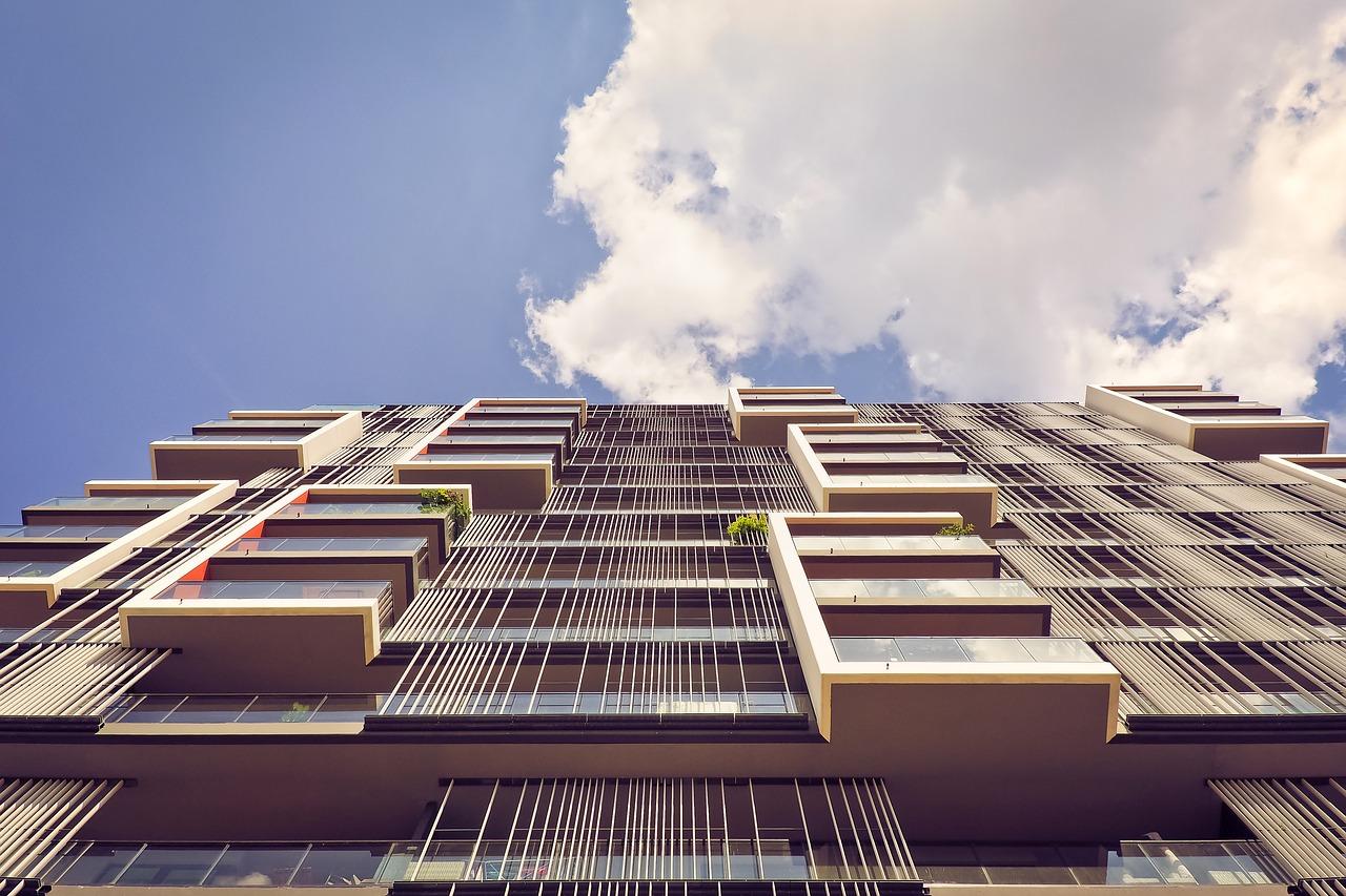 Bâtiment : progression des permis de construire et des mises en chantier