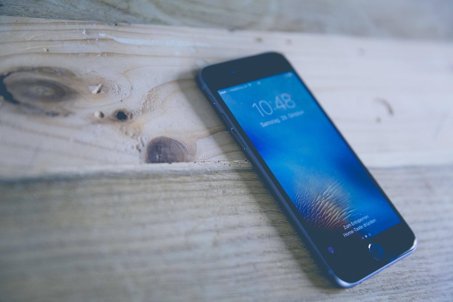 Une association française attaque Apple pour obsolescence programmée