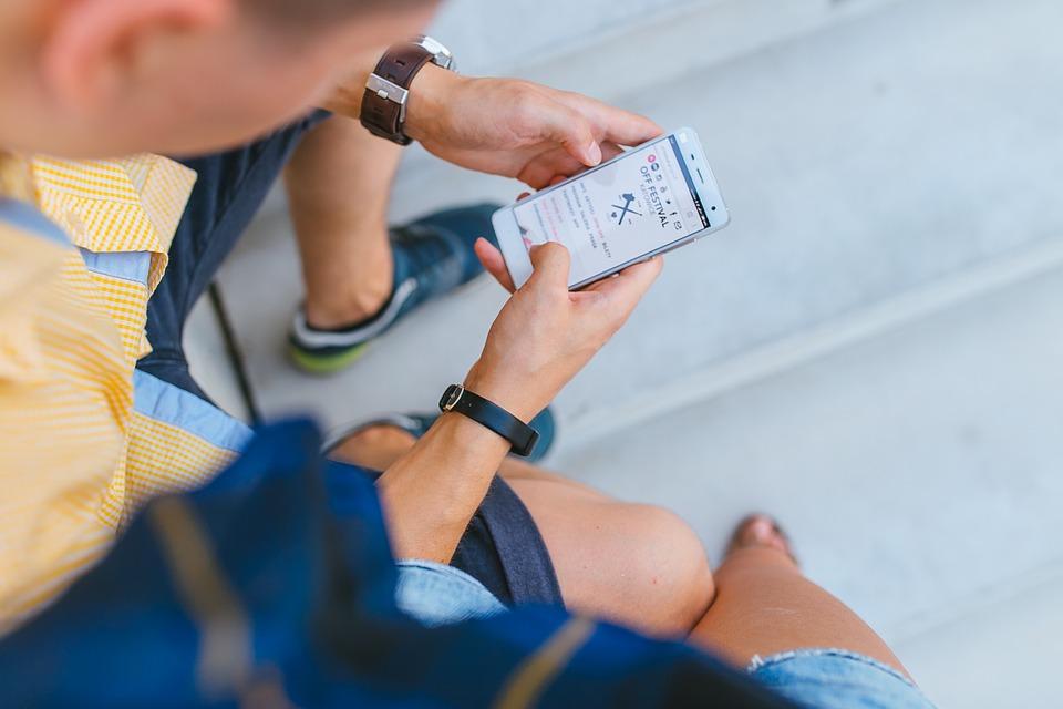 Free réussit sur le mobile, stagne sur l'internet fixe
