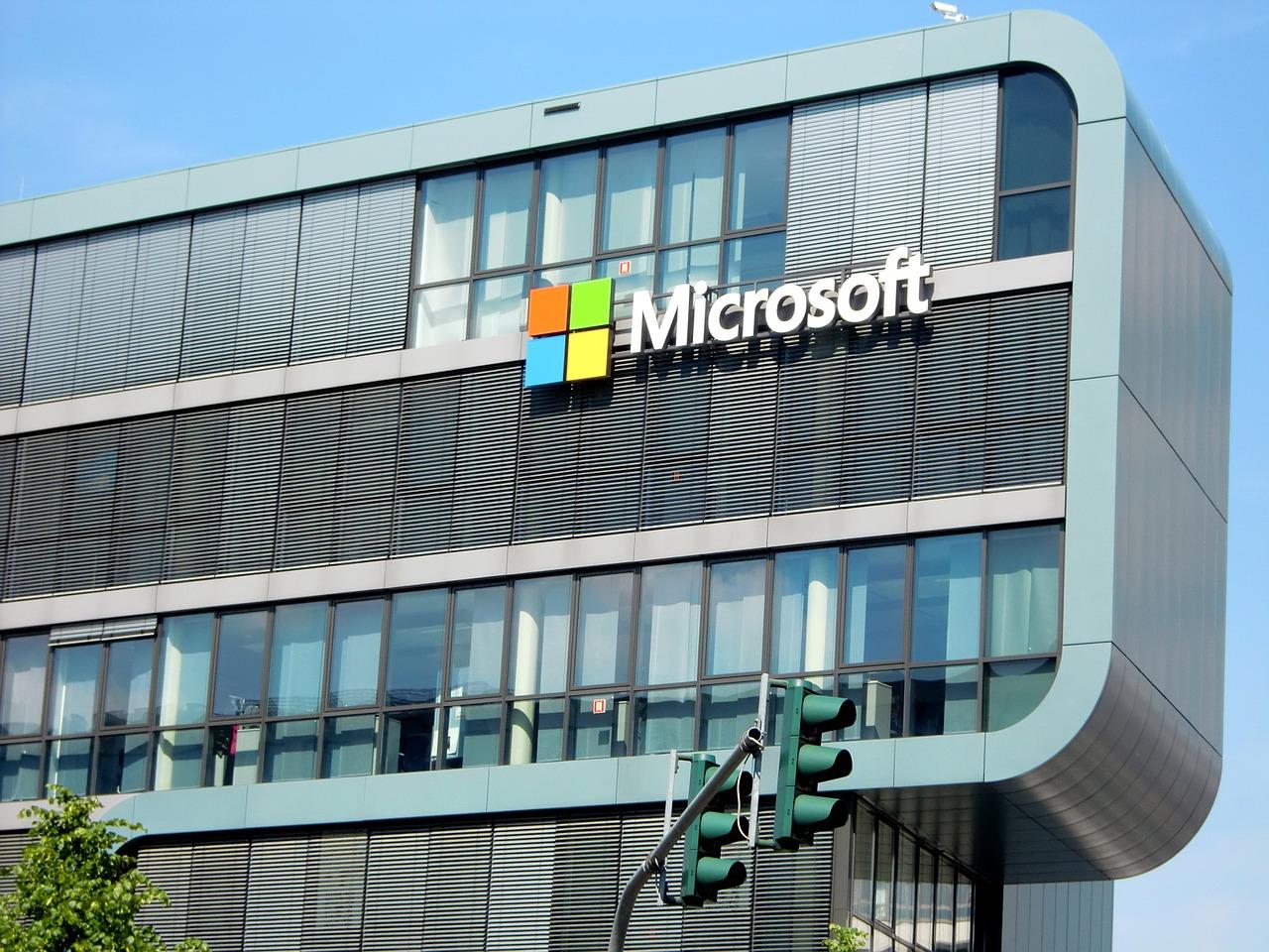 Microsoft dépasse les 100 milliards de dollars de chiffre d'affaires annuel