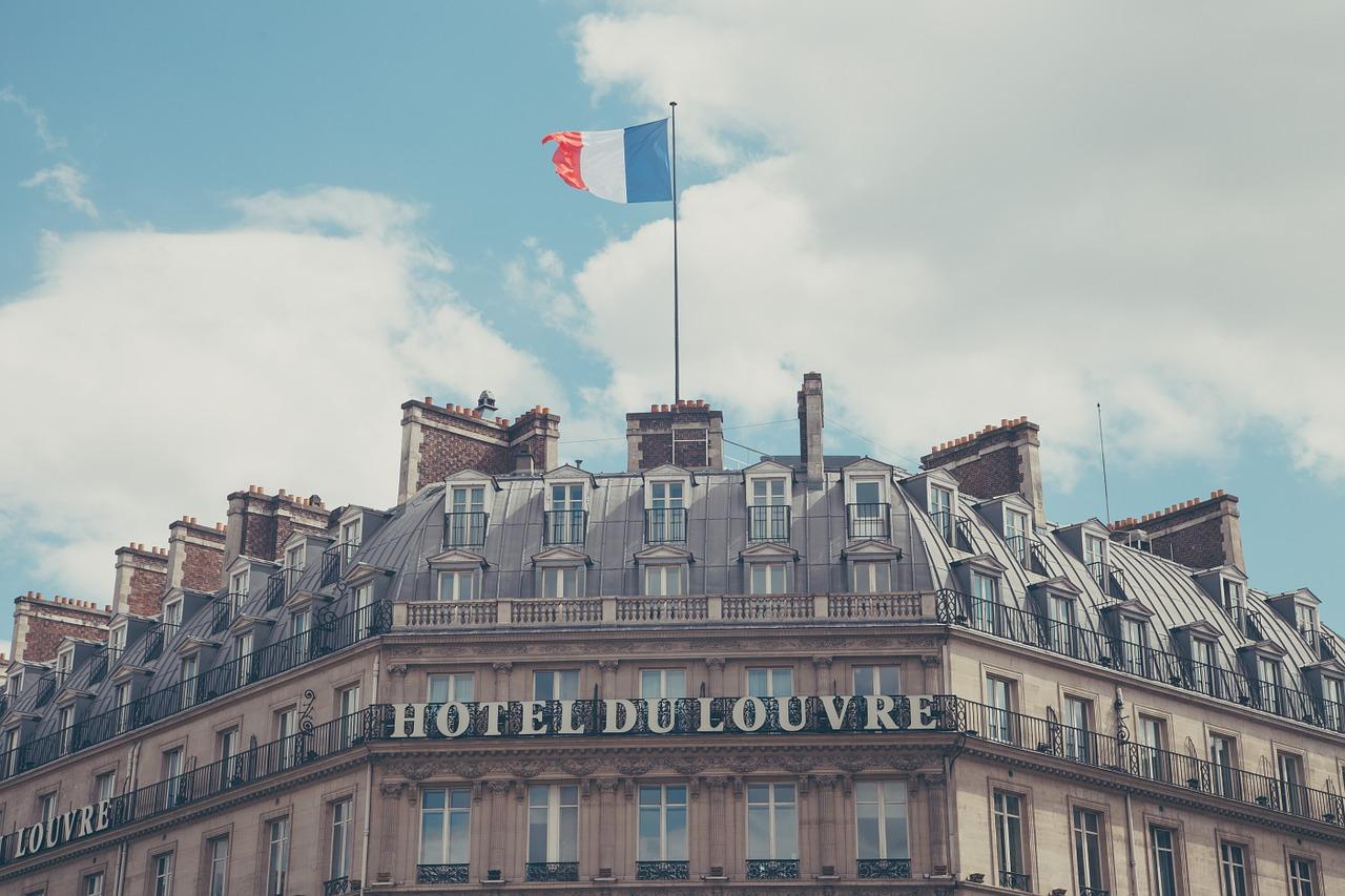 Tourisme : croissance modérée des nuitées au deuxième trimestre