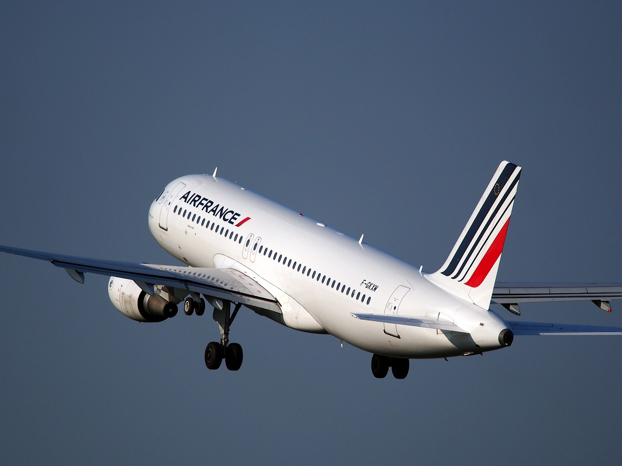 Air France-KLM : le nouveau pilote Benjamin Smith entre en piste ce lundi