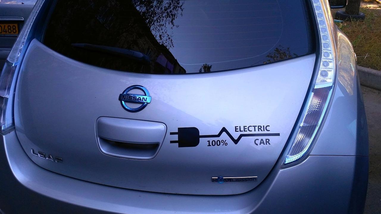 Les voitures électriques reviennent moins cher que les véhicules essence ou diesel