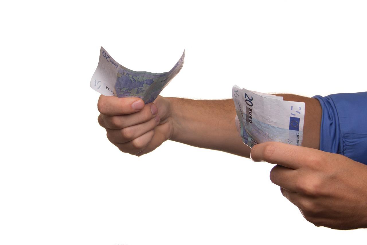 Les ouvriers d'une usine belge touchent par erreur un salaire de 30000 euros