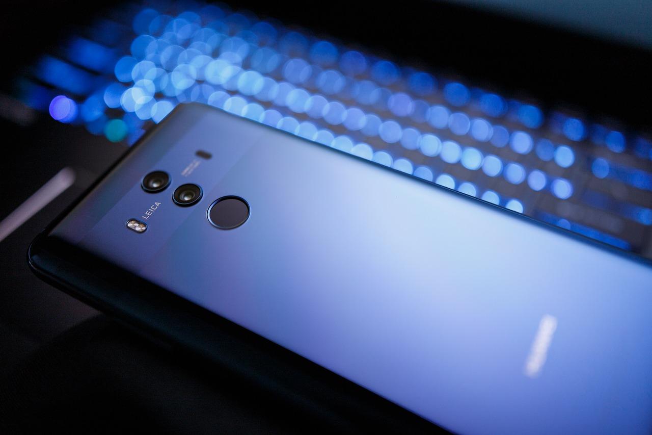 Les risques que fait peser Huawei sont pris en compte par la France