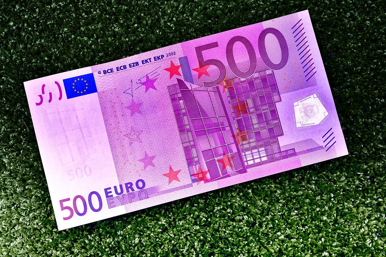 Le billet de 500 euros tire sa révérence