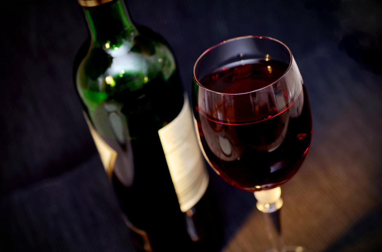 Les consommateurs français boivent moins de vin
