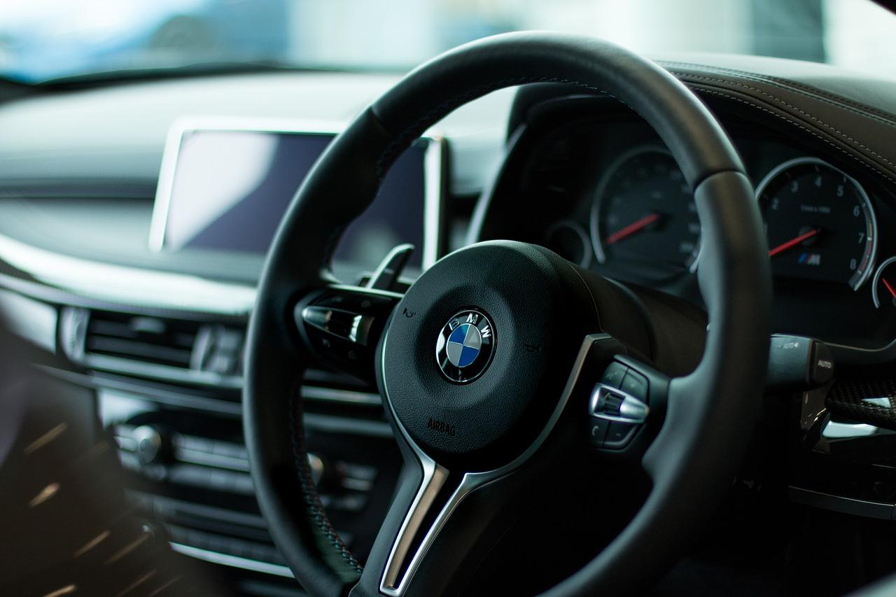 Soupçon d'entente entre Daimler, Volkswagen et BMW