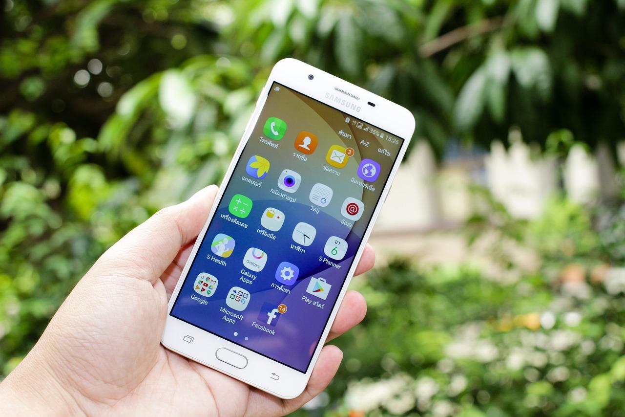 Smartphones : Samsung et Xiaomi progressent en Europe