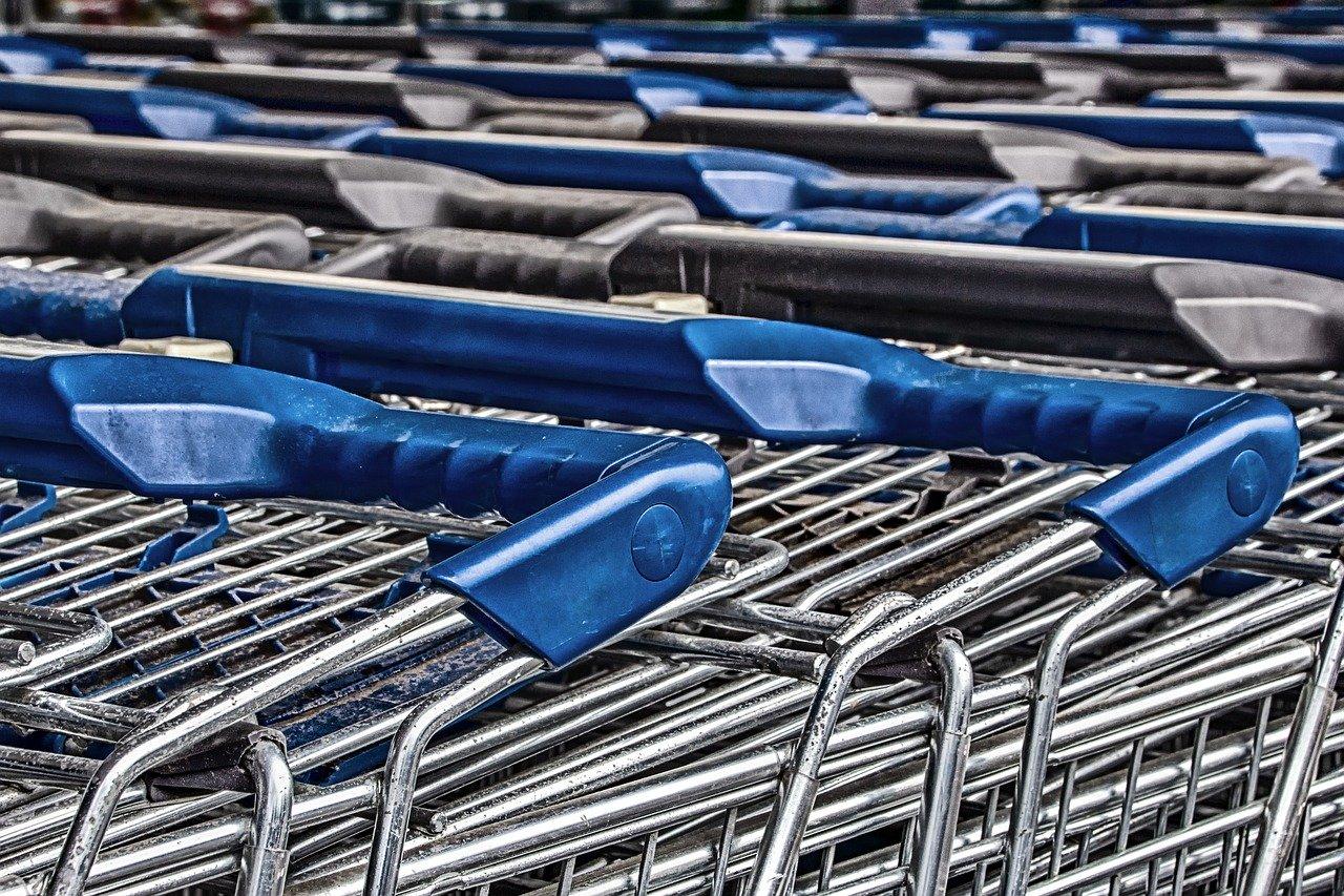Malgré de lourdes pertes en 2019, Auchan voit les premiers signes du redressement