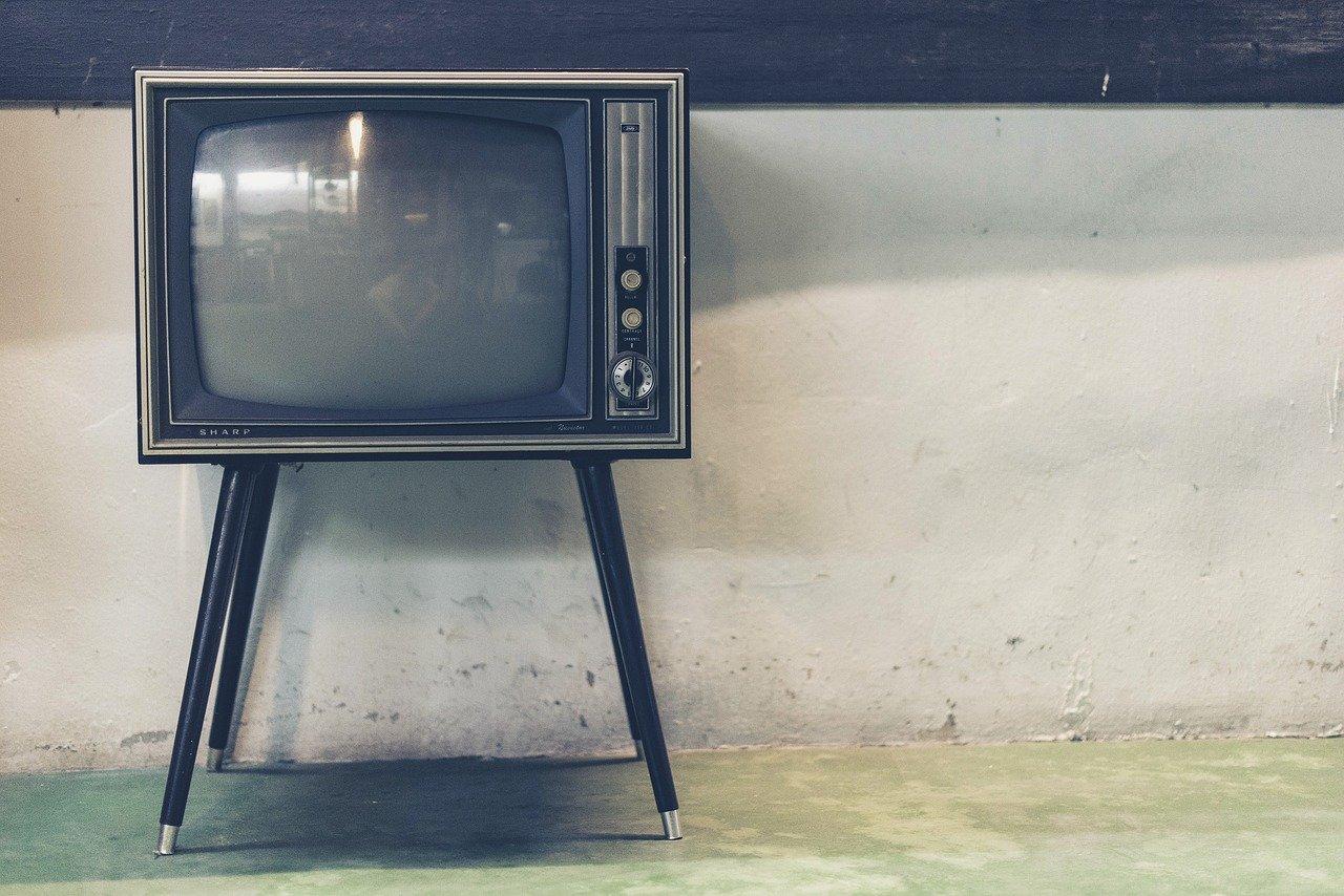 Une redevance TV moins chère… mais payée par tous les Français ?