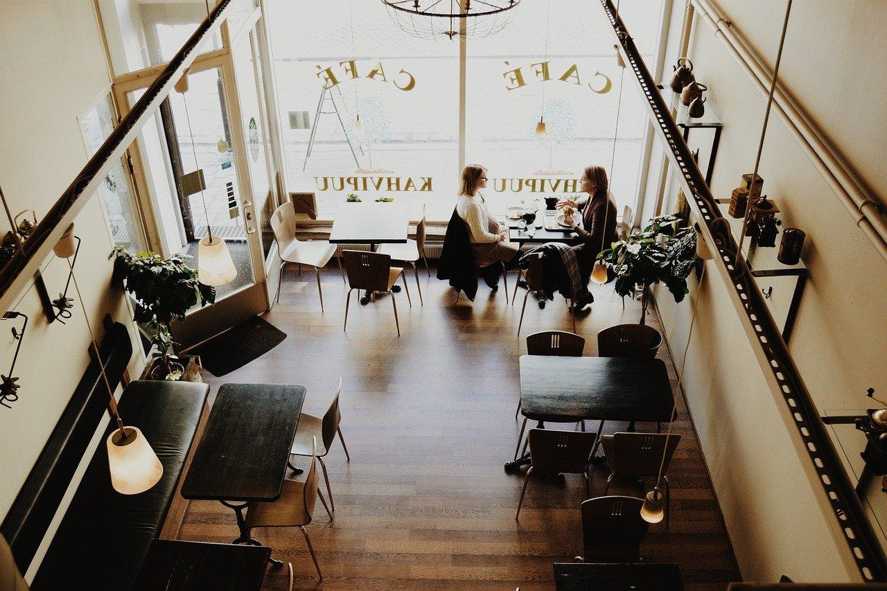 Nouvelles aides pour les cafés, les restaurants et les discothèques