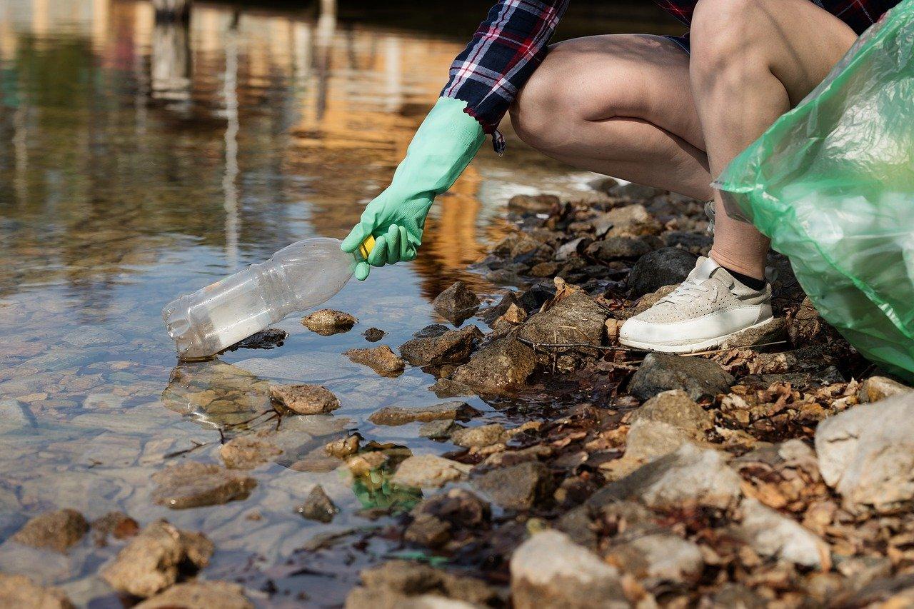 Pollution : toujours les mêmes marques qui se distinguent par leur utilisation du plastique