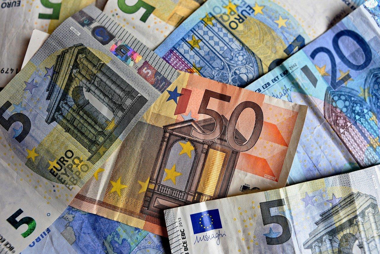Pierre Moscovici : la dette au-delà de 100% du PIB pour au moins dix ans